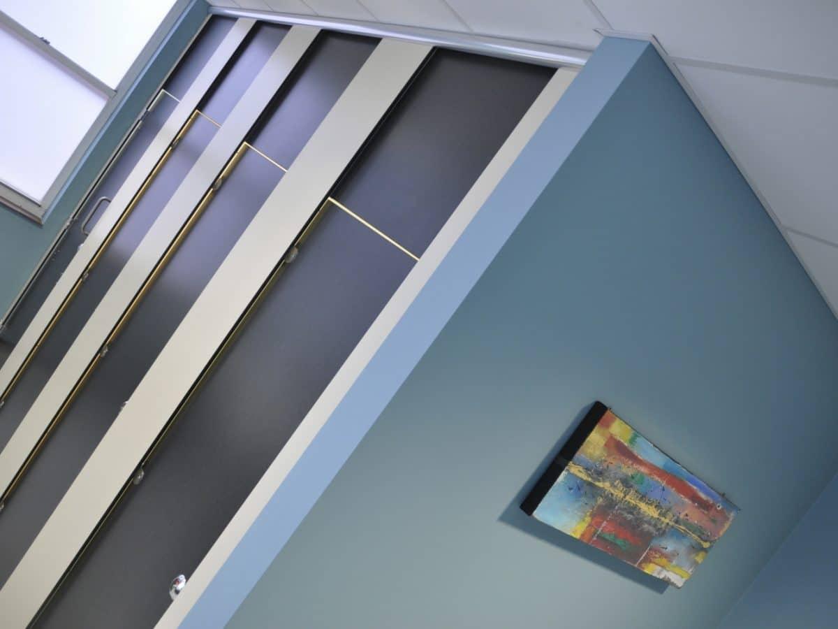 floor to ceiling toilet cubicle doors for schools