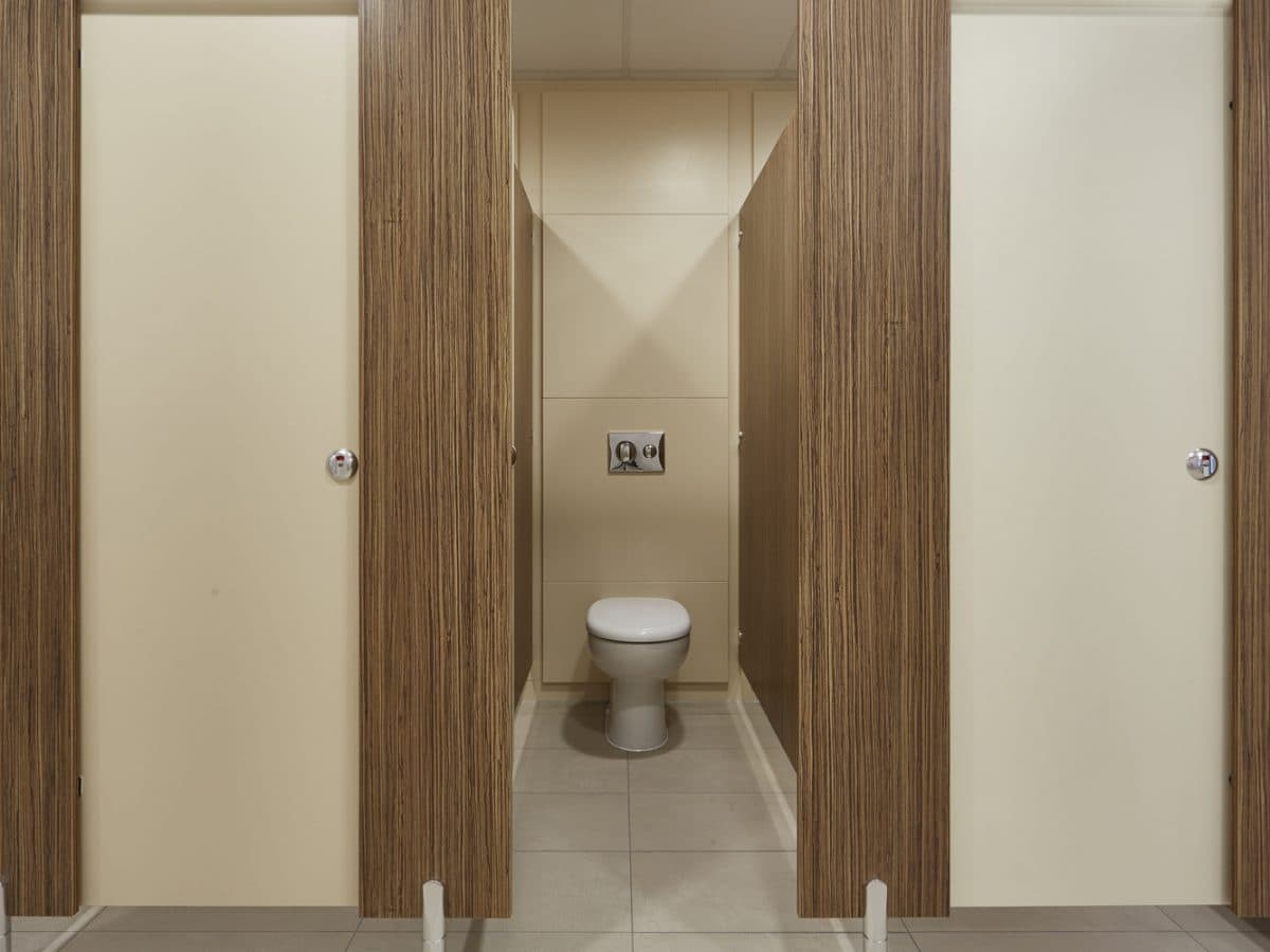 Classic Toilet Cubicle Systems