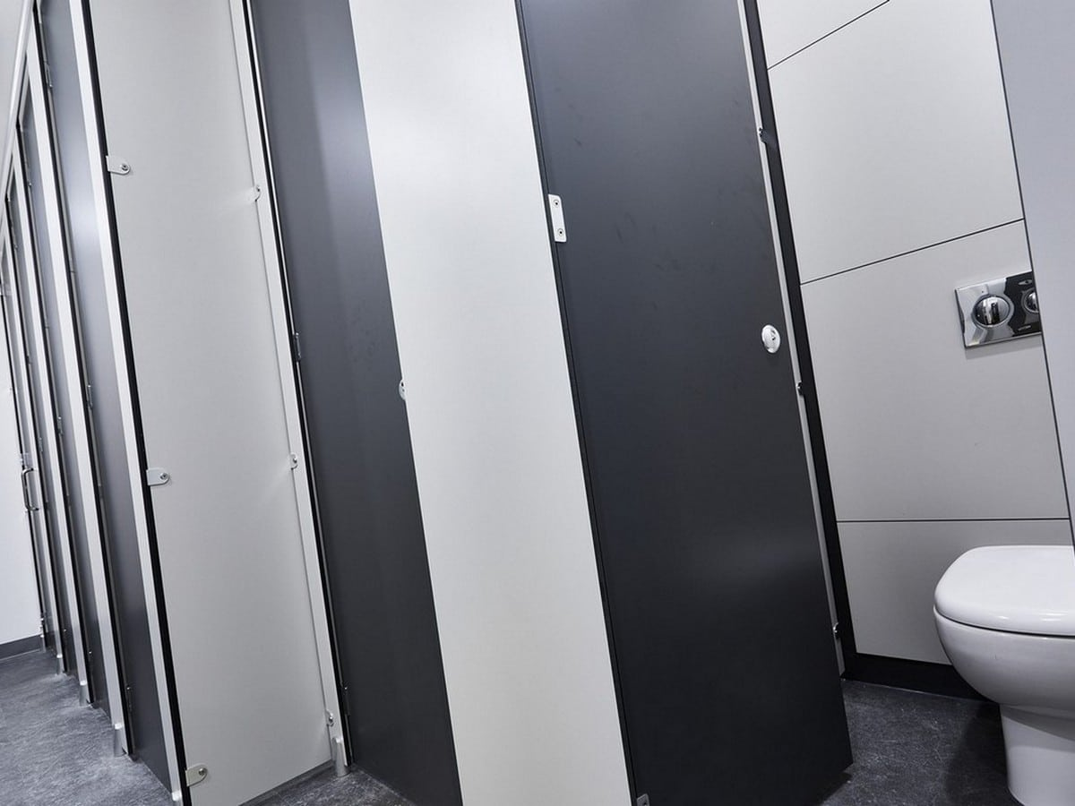 Altitude black/white toilet cubicles open/closed