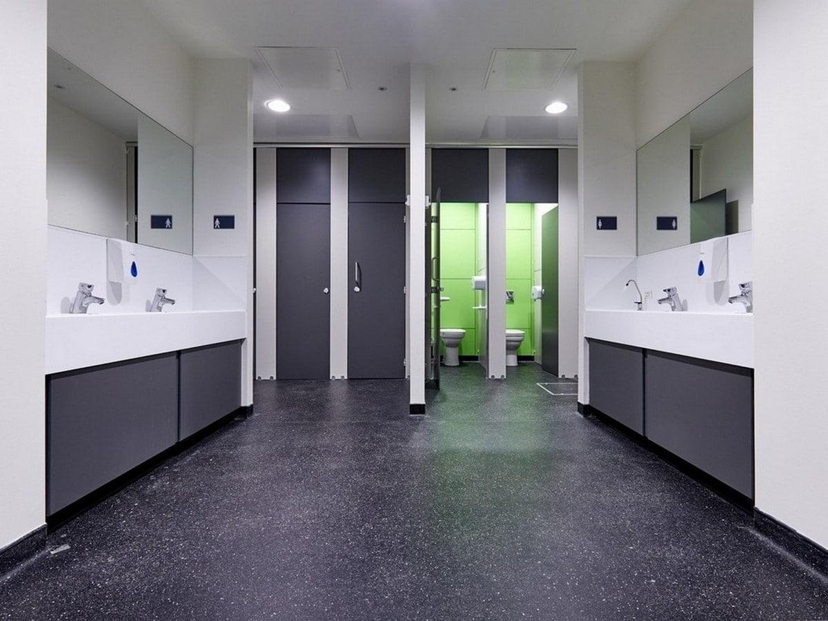 Leigh UTC Altitude toilet cubicles black/green closed/open