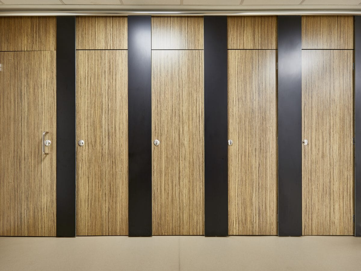 full length toilet cubicle systems for schools