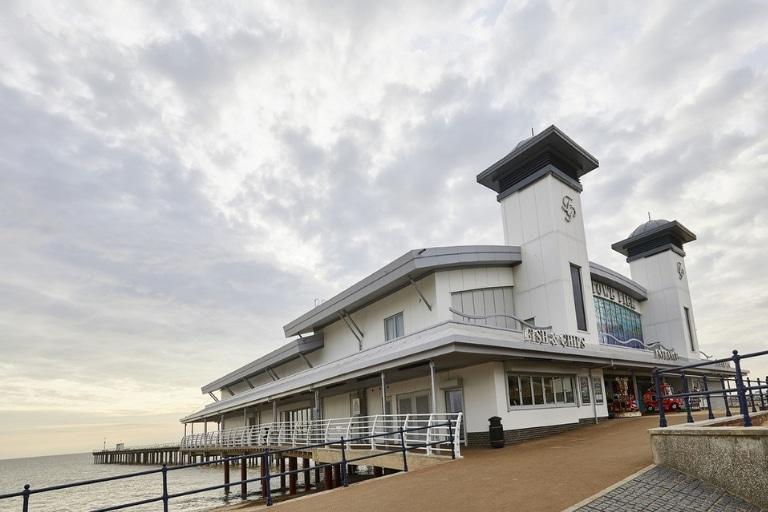 Seaside pier 1